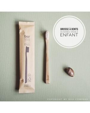 Brosse à dent bambou biodégradable et compostable idéale pour un mode de vie zéro déchet. Modèle enfant
